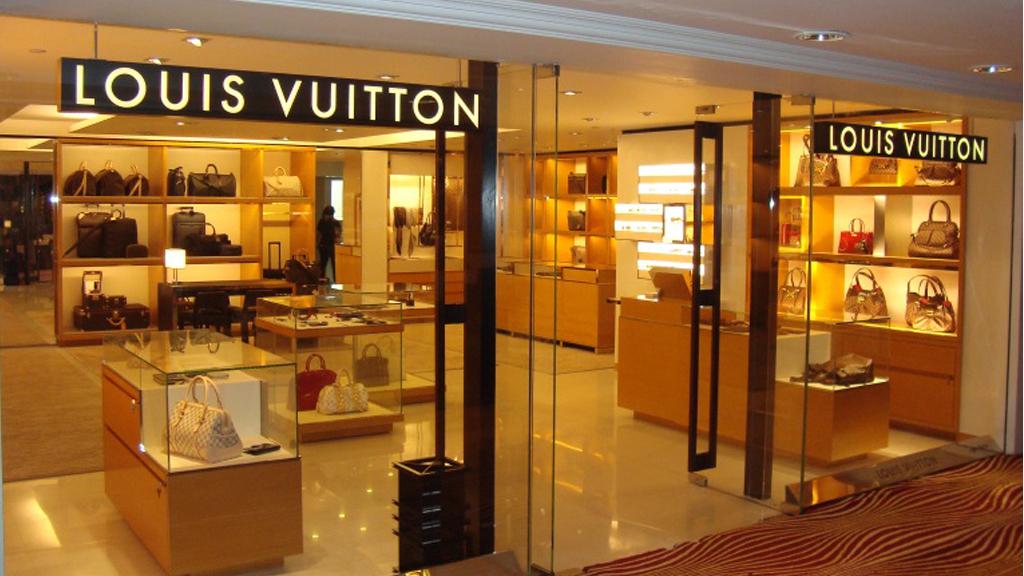 LOUIS VUITTON, TAJ HOTEL